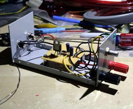 Arka panel bağlantılarının yapılması.