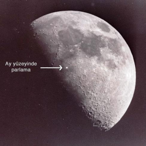 resim-5. Amatörler bugüne kadar Ay yüzeyinde bir çok parlama saptamışlardır. Özellikle video çekimlerinde bu parlamalar kendini çok daha belirgin göstermektedir. Fotoğrafta bunlardan birini görmektesiniz.