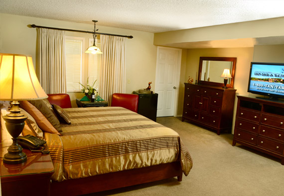 Lake of the Ozarks Resort Accommodations  TanTarA Resort
