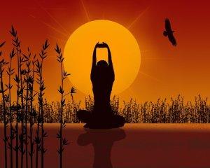 tanahoy.com woman meditating