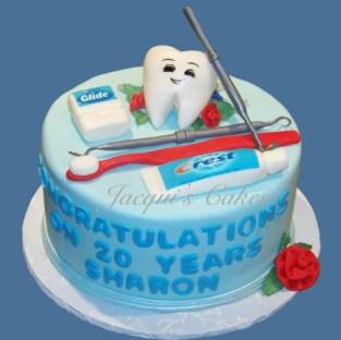 Källa: http://www.jacquiscakes.com/Dentist%20CakeIII%20%28small%29.jpg