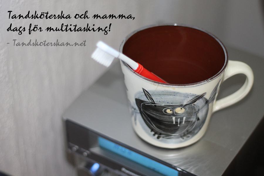 multitasking-tandskoterskan
