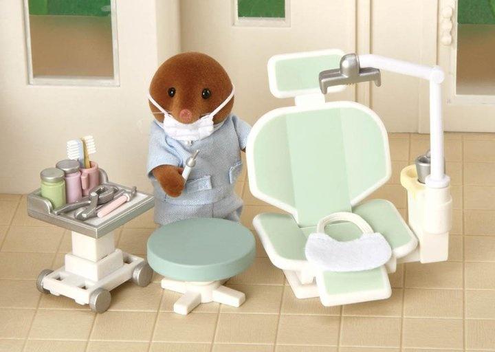 Dentist set and figure