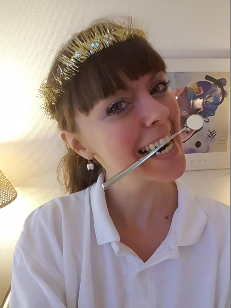 Skenhelig tandsköterska som Lucia