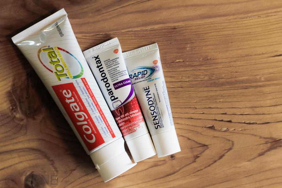 Tandkräm Colgate Total, Parodontax, Sensodyne Rapid Relief.