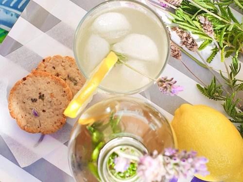 Lavender-Mint-Lemonade-with-lavender-cookies