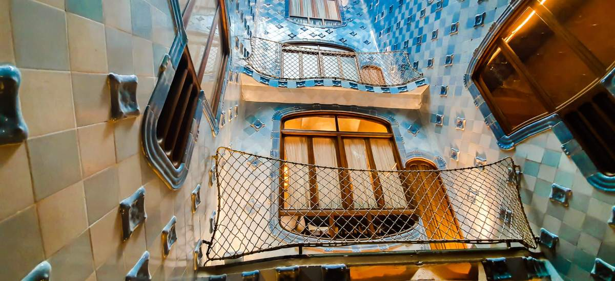 Casa Batllo (Barcelona) – Tour guide & Tips for visiting
