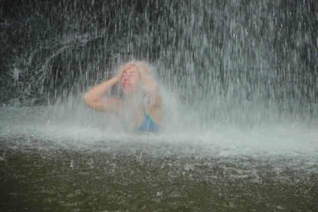shelli-under-water