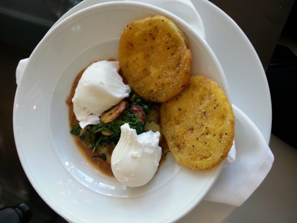 verandah_breakfast