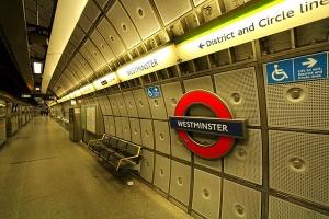 Smog w Londynie - zanieczyszczone metro