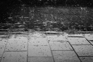 Sztorm Jonas - Wielka Brytania - opady deszczu i wichury
