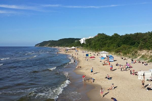 Wakacje nad polskim morzem samolotem - najbliższe lotniska!