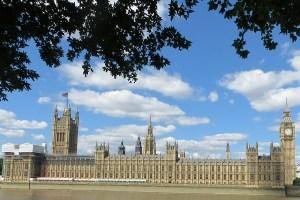 Westminster Palace w Londynie - Brexit - listy pracujacych obcokrajowcow