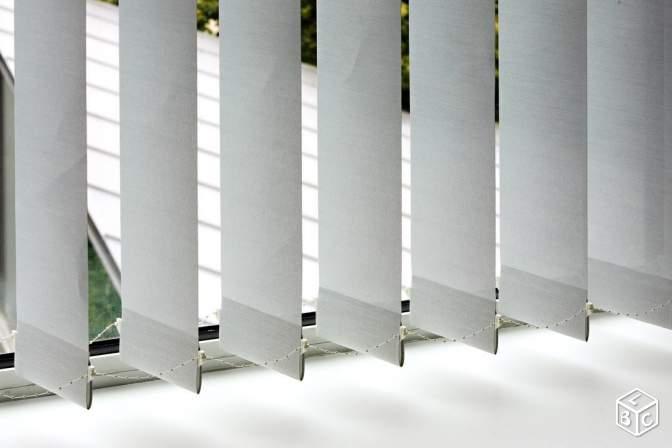 Store  lamelles verticales sur mesure  Meubles et