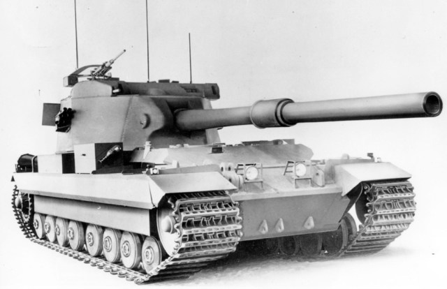 The mockup of the FV215, showing the monstrous cannon. This stage is as far as the FV215 project got. Source: warspot.ru