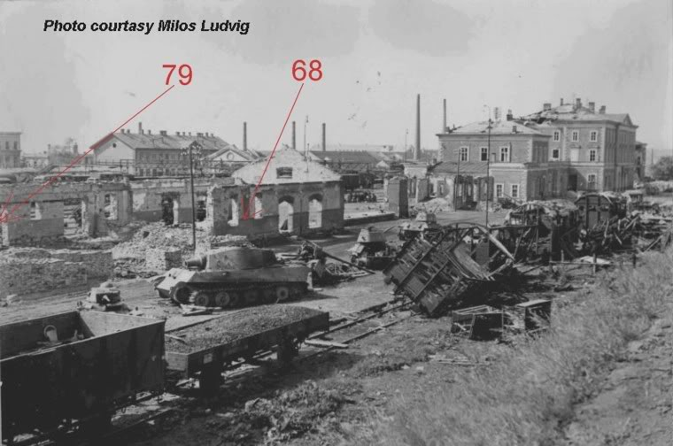 Two photographs of the same Vânătorul de Care R35 besides a plethora of destroyed tanks in Znojmo Railway, 1945.