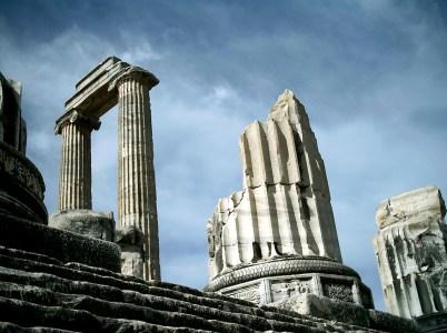 Apollo: dio delle arti, della divinazione e patrono della medicina