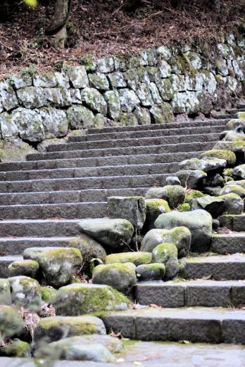 Escaliers accédant à l'ensemble de temples et de sanctuaires