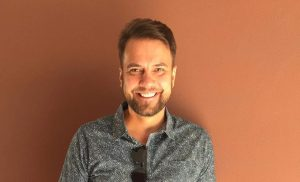 Antti Ketonen riisui Thaimaassa paitansa ja some ihastui – katso nyt sinäkin se kuva
