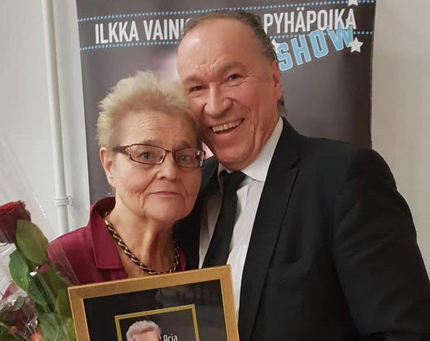Arja Havakka sai Juha ja Ilkka Vainio -palkinnon – yllätti rokilla lavalla