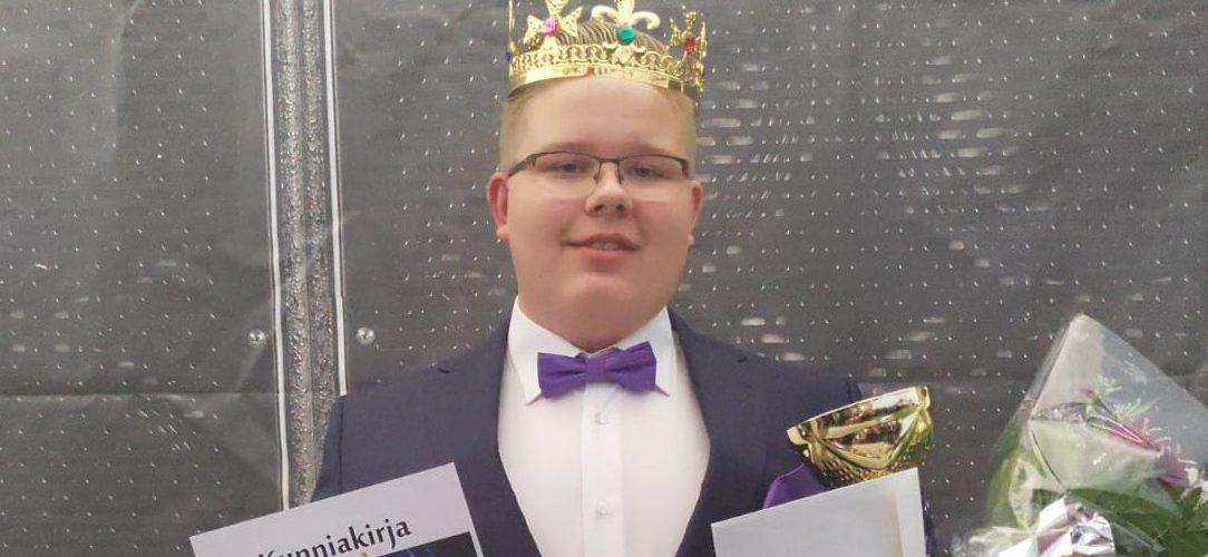 """Tangonuori Henri Jokinen, 15, on tangoilmiö: """"Idolini on Reijo Taipale"""" – katso videot"""