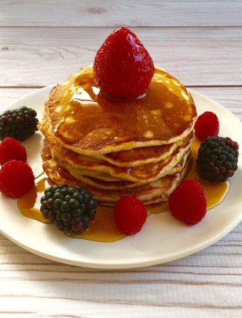 Banana pancakes with maple syrup