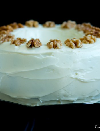 Carrot cake and beetroot cake