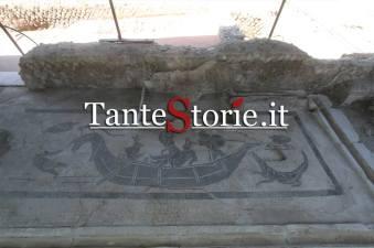 Il mosaico con la scena nilotica della latrina che rappresenta la conquista dell'Egitto
