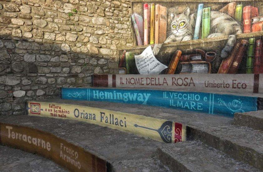 La piazzetta della lettura a Sant'Agata di Puglia - foto di Carlo Dalessandro