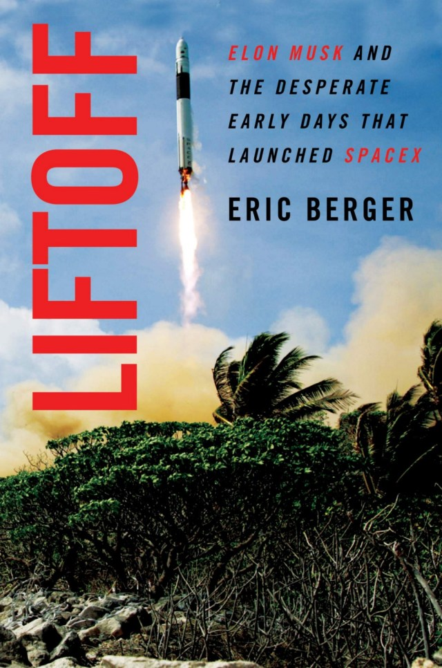 "Book cover of ""Liftoff"" by Eric Berger"