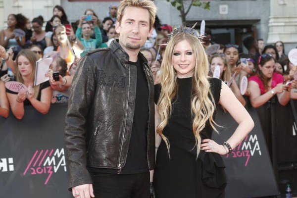 Chad Kroeger Gifted 17 Carat Diamond Ring to His Wife Avril Lavigne