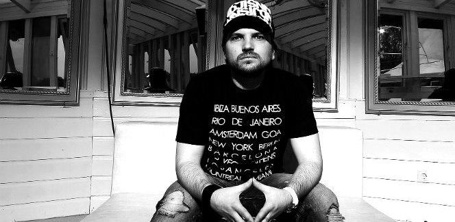 AlBird's mix filled with deep & dark techno cuts