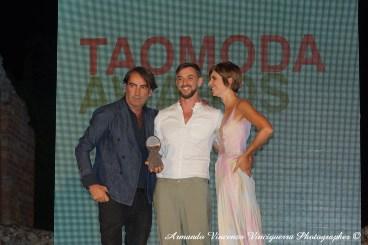 Mario Dice premiato da Beppe Angiolini e Chiara Croce