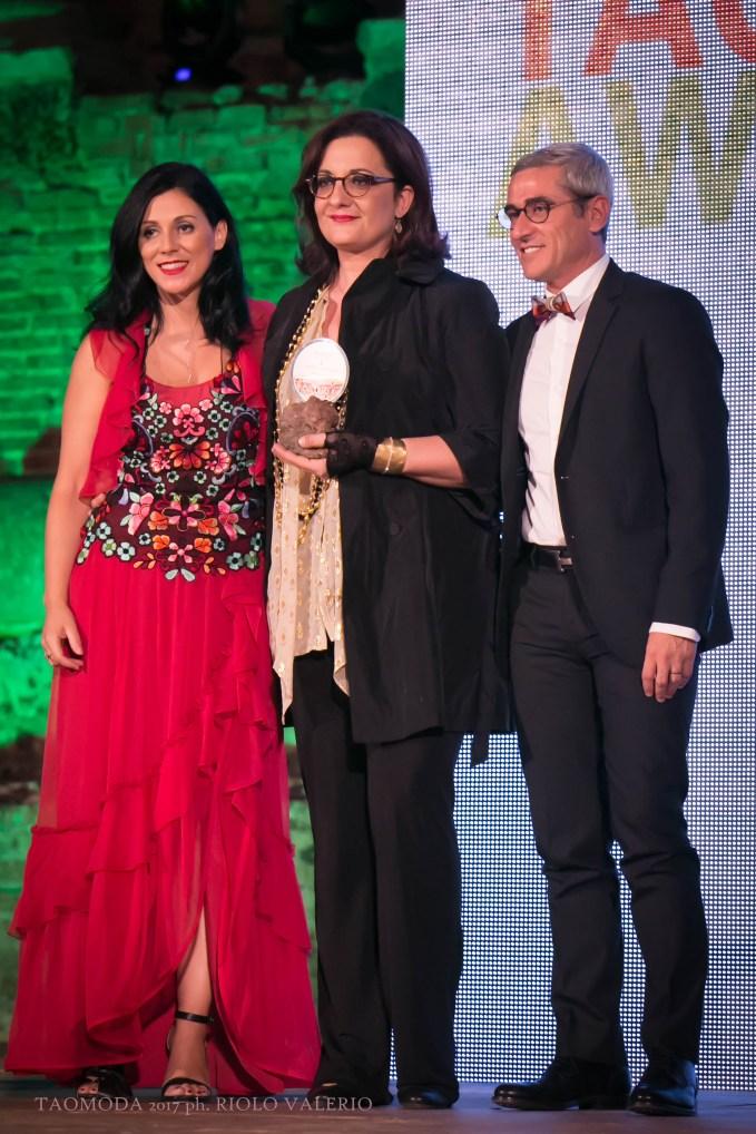 Catena Fiorello premiata da Annalisa e Alessandro Spadola di Caffè Moak