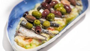 Receta Dani García. Patatas aliñadas con sardinas