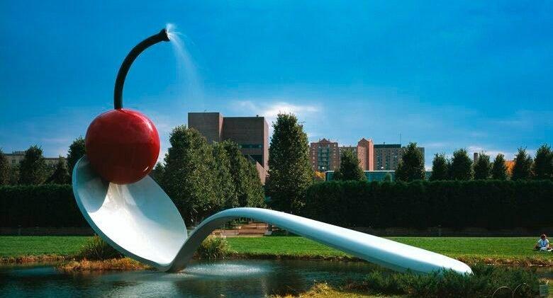Puente de cuchara y cereza de Claes Oldenburg