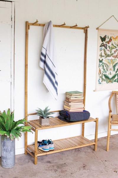 Bạn có thể thay thế hầu hết nội thất gỗ bằng đồ dùng làm từ tre trúc.