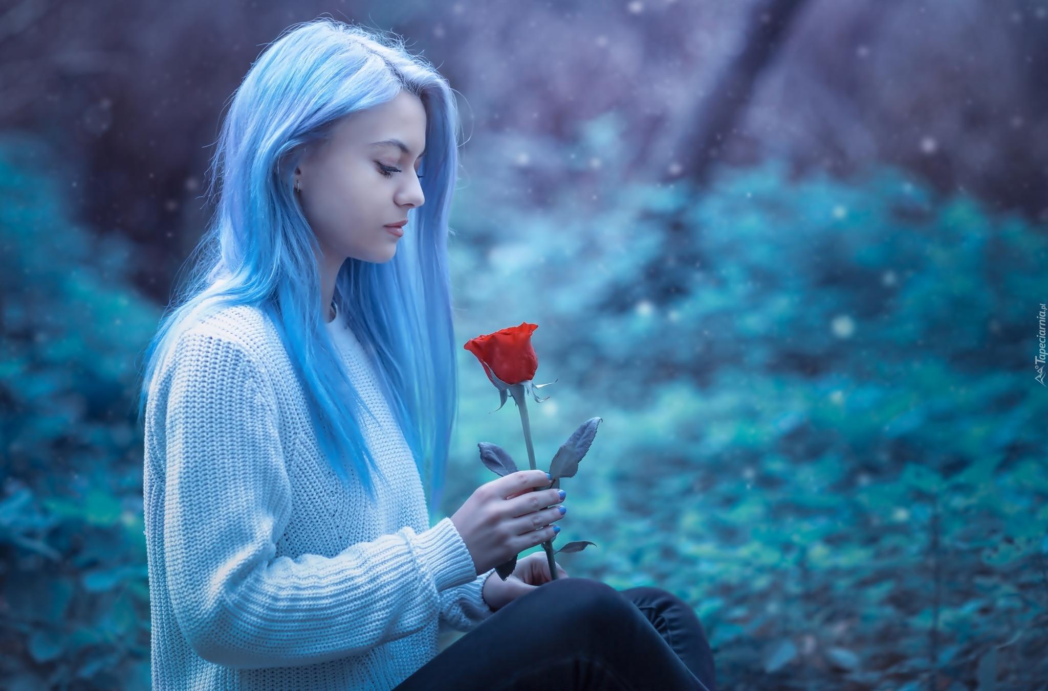 Zedge Wallpapers Cute Girl Dziewczyna O Jasnoniebieskich Włosach Z R 243 żą W Dłoni