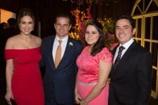 Carol, Junior Figueiredo, Fabiana e Italo Paulino