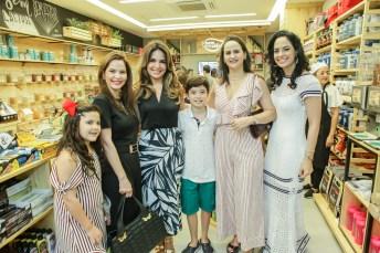 Maria Carolina, Cristiana Carneiro, Eveline Fujita, Jose Fujita, Adriana Miranda e Luciana Fiuza (2)