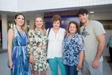 Thais e Valeria Gama, Germana Borges, Maria de Fatima e Raul Mota