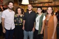 Marcelo Nâpole, Teresa, Rafael, Gabriela e Amanda Camâra