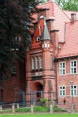 Für Hochzeiten ein beliebtes Motiv ist der Eingang zum Schlosshof