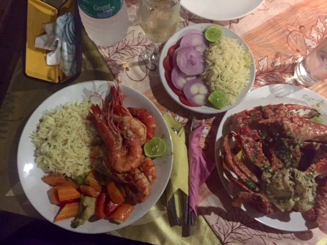 Krabbor och Jätteräkor med chili, vitlök och Koriander