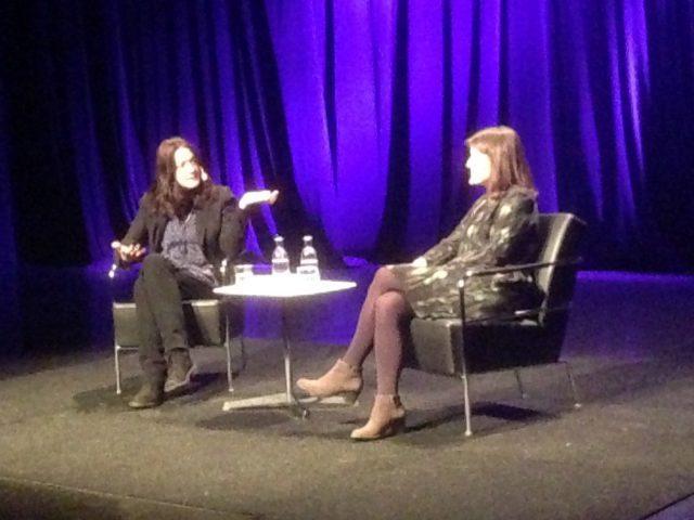 Helen Macdonald och Ingrid Elam
