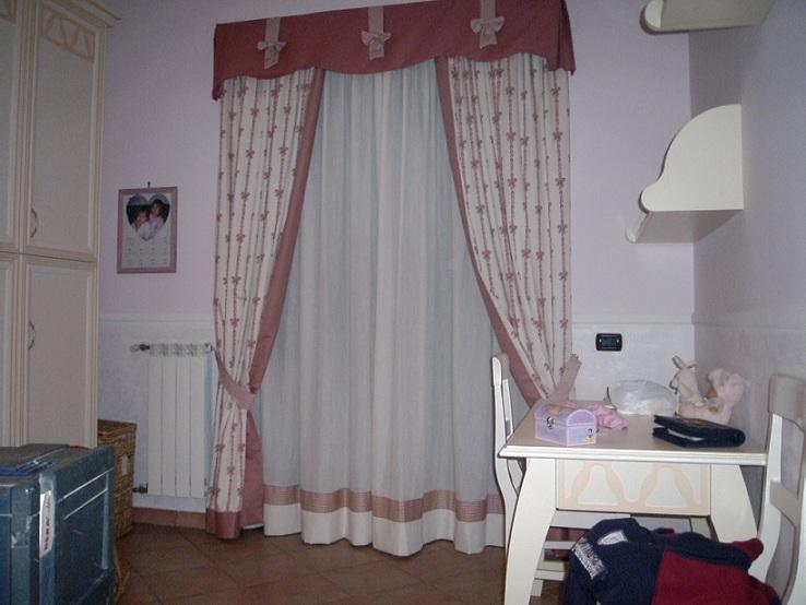 Tappezziere in stoffa e pelle a Milano rifacimento divani