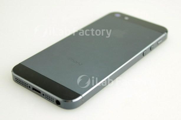 iPhone 5 Photo: Two-Tone Anodized Aluminum Backplate