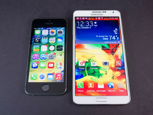 Sizing up: iphone 5s vs Samsung Galaxy Note 3