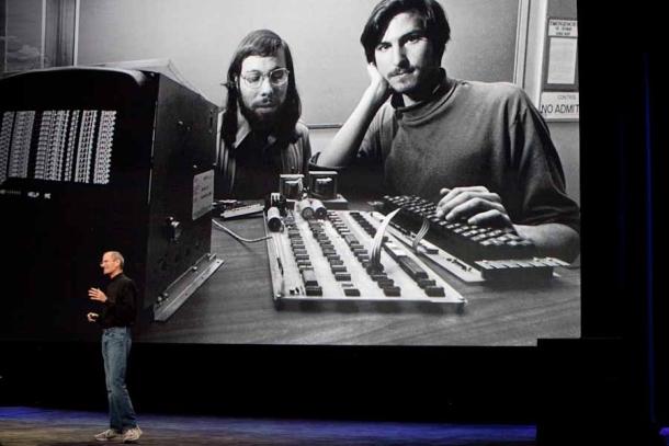 steve-jobs-keynote-woz-pic