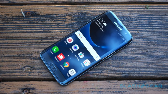 Samsung Galaxy S7 Edge catches fire while charging